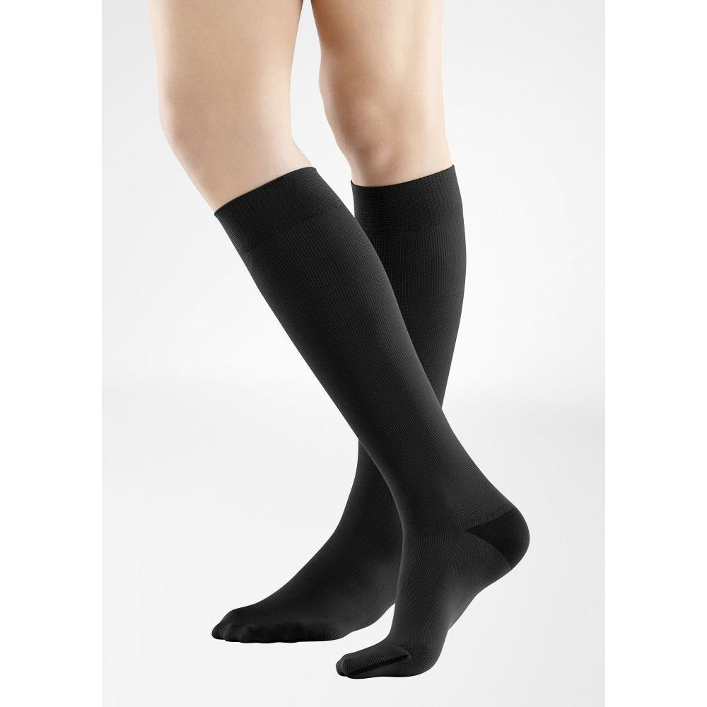 01b54a56c9f Bauerfeind VenoTrain Men s Business Compression Socks — BrightLife Direct