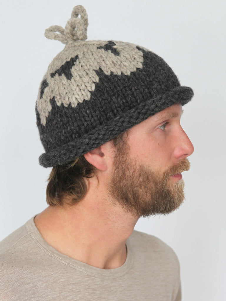 Douglas Toque - Charcoal