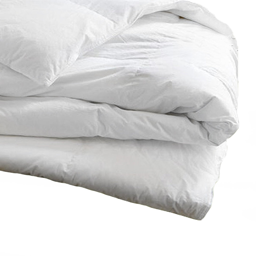 HI-CLASS WHITE COMFORTER FROM DEAL-HOME