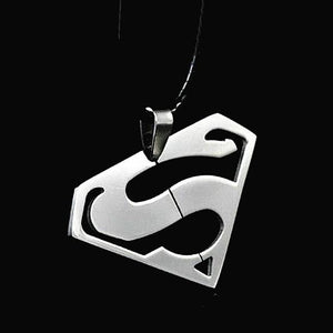 High Quality 316L Fashion Stainless Steel Superman Pendants Necklaces For Men Andintothea-intothea