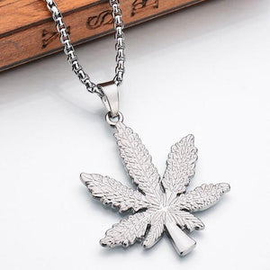 New Iced Out Weed HipHop Necklace&Pendant Silver Plated Maple Leaf Pendant Longintothea-intothea