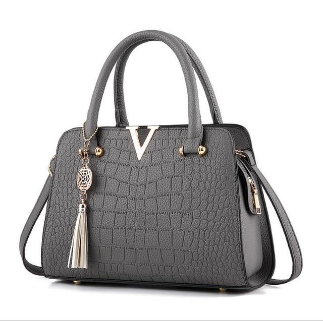 woman fashion Crocodile leather V letters Designer Handbags Luxury quality Lady Shoulderintothea-intothea