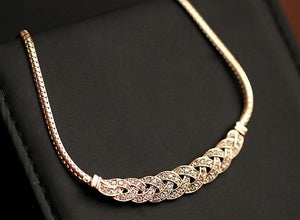 Gold Silver Upscale Luxury 8 word twist Shiny Rhinestone Short Clavicle Chainintothea-intothea