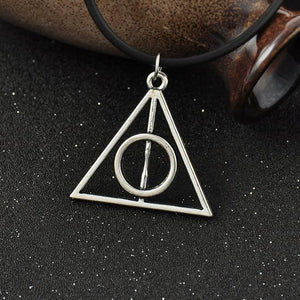 2018 hot accessories necklace Fashion pendant Triangle Hot movie deathly hallows movieintothea-intothea