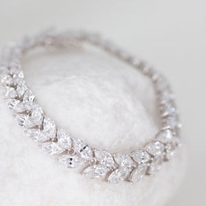 Rent bridal jewelry for your wedding day. Borrowed Gems Thomas Laine