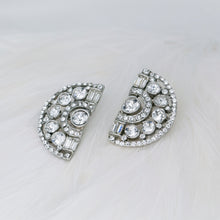 Load image into Gallery viewer, Rent bridal jewelry for your wedding day. Borrowed Gems Ben Amun