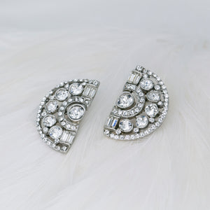 Rent bridal jewelry for your wedding day. Borrowed Gems Ben Amun