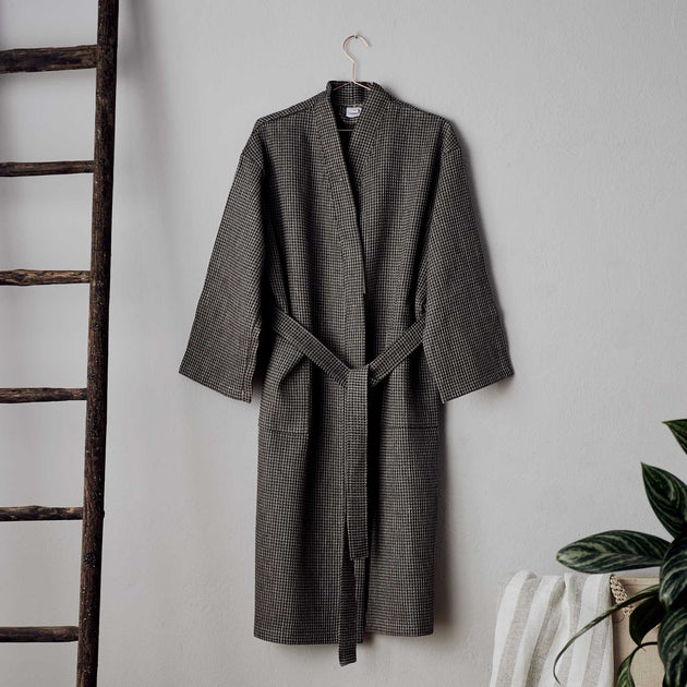 Kotra Bathrobe in black & beige | Home & Living inspiration | URBANARA