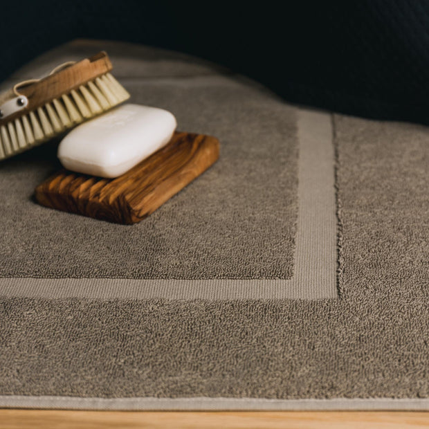 Penela bath mat, grey green, 100% egyptian cotton | URBANARA bath mats