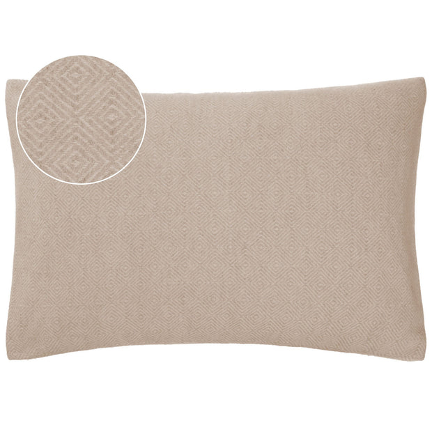 Uyuni blanket in beige & cream, 100% cashmere wool |Find the perfect cashmere blankets