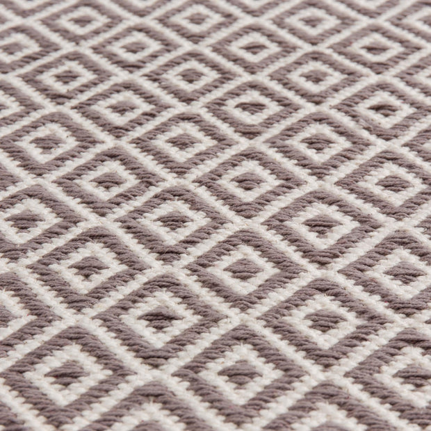 Tenali rug in grey & off-white, 100% cotton |Find the perfect cotton rugs