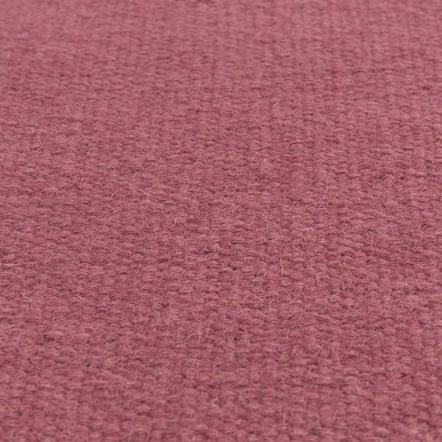 Manu rug, raspberry, 50% new wool & 50% cotton | URBANARA wool rugs
