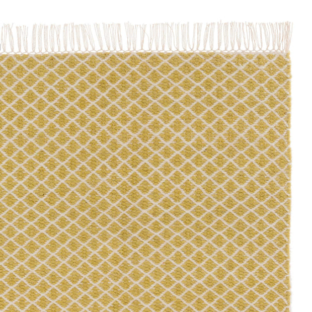 Loni rug, light yellow & off-white, 100% wool | URBANARA wool rugs