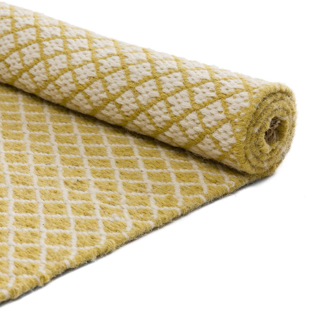 Loni runner in light yellow & off-white, 100% wool |Find the perfect runners