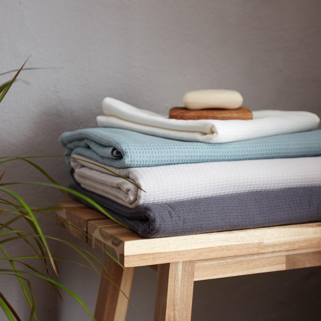 Sintra Towel Collection [Light grey green]