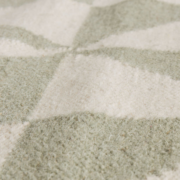 Almi rug in mint & off-white, 50% wool & 50% cotton |Find the perfect wool rugs