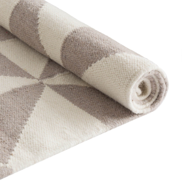 Almi rug, grey & off-white, 50% wool & 50% cotton |High quality homewares