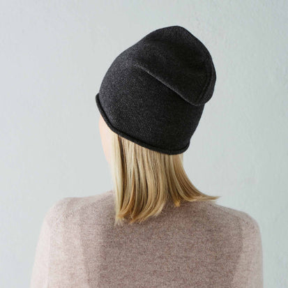 Nora hat, charcoal, 50% cashmere wool & 50% wool