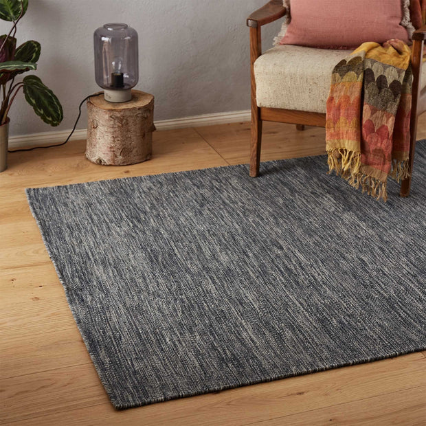Gravlev Rug [Charcoal/Off-white]