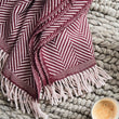 Bordeaux red & Dusty pink Salla Decke | Home & Living inspiration | URBANARA