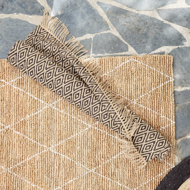 Dasheri rug in charcoal & natural, 100% jute |Find the perfect jute rugs