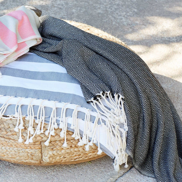 Cesme Hammam Towel black & white, 100% cotton | Find the perfect hammam towels