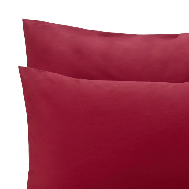 Perpignan duvet cover, ruby red, 100% combed cotton | URBANARA percale bedding