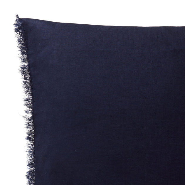 Dark blue Bellvis Kissenhülle | Home & Living inspiration | URBANARA