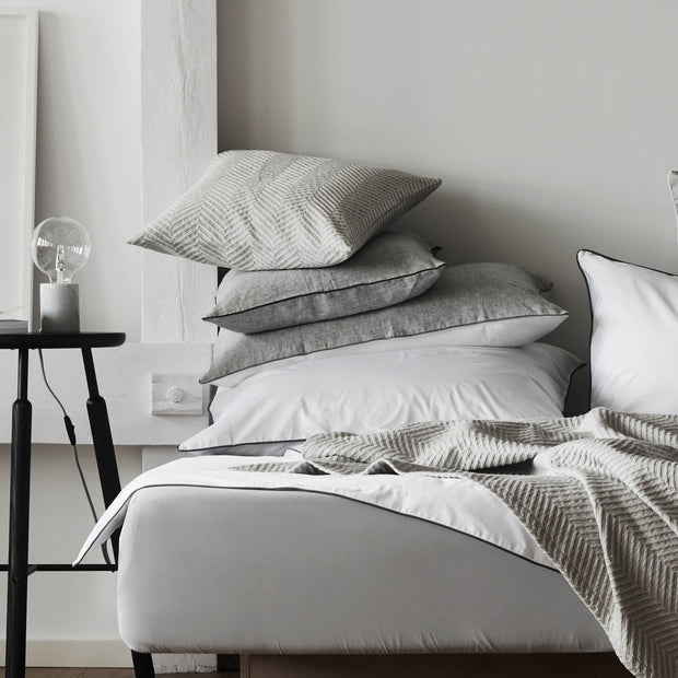 Grey & White & Charcoal Sameiro Kissenbezug | Home & Living inspiration | URBANARA