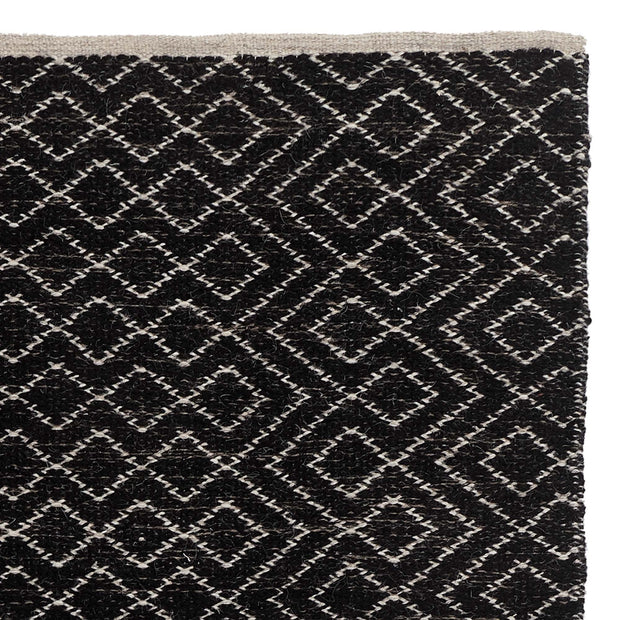 Amini rug, black & off-white, 100% new wool | URBANARA wool rugs