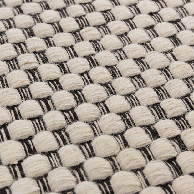 Kalanka rug in natural white & black, 90% new wool & 10% cotton |Find the perfect wool rugs