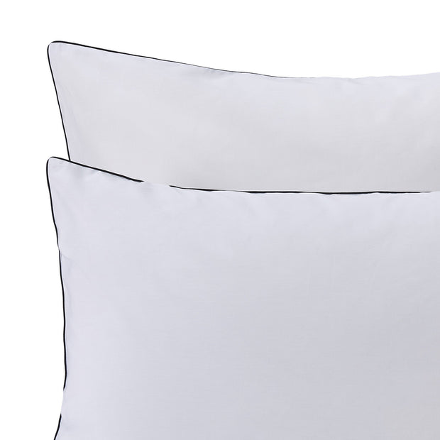 Vitero Pillowcase white & black, 100% combed cotton | URBANARA percale bedding