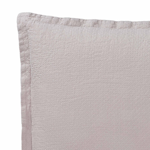 Lousa cushion cover, powder pink, 100% linen | URBANARA cushion covers