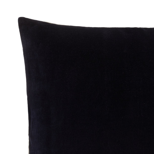 Amreli cushion cover, dark blue & natural, 100% cotton & 100% linen | URBANARA cushion covers