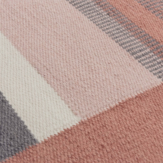 Indari doormat, grey & light pink & dusty pink, 100% pet | URBANARA outdoor accessories