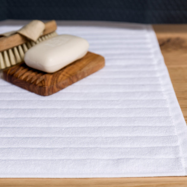 Alvito bath mat, white, 100% zero twist cotton | URBANARA bath mats
