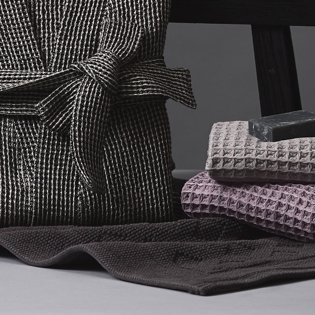 Osuna Bath Mat in charcoal | Home & Living inspiration | URBANARA
