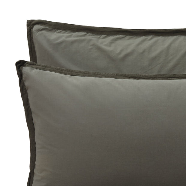 Balaia pillowcase, moss green, 100% combed cotton | URBANARA percale bedding