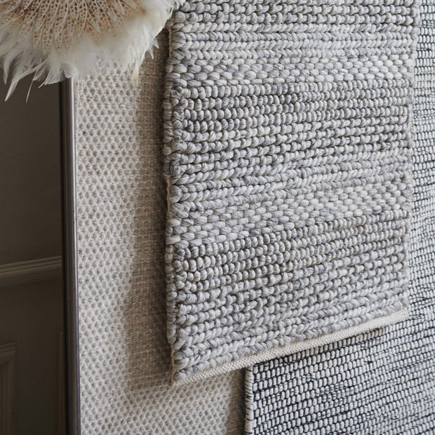 Kagu wool rug in grey melange | Home & Living inspiration | URBANARA