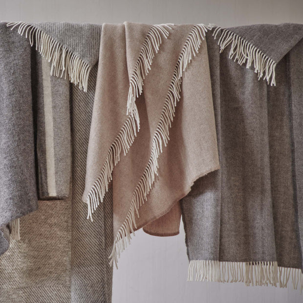 Corcovado Alpaca Blanket in light brown & off-white | Home & Living inspiration | URBANARA