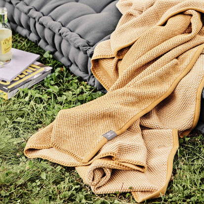 Alvor Blanket in mustard & off-white | Home & Living inspiration | URBANARA