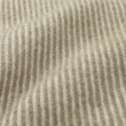 Gotland Blanket in olive green & off-white | Home & Living inspiration | URBANARA