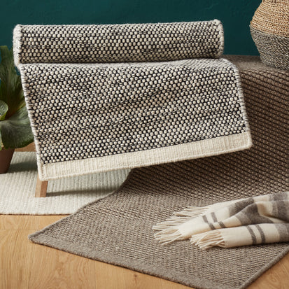Kolong Rug in grey brown & off-white | Home & Living inspiration | URBANARA