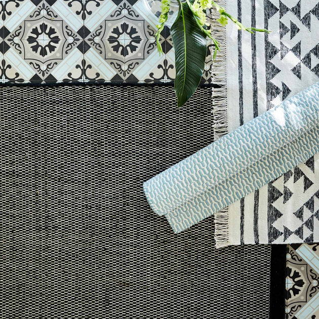 Kolong Rug in black & off-white | Home & Living inspiration | URBANARA