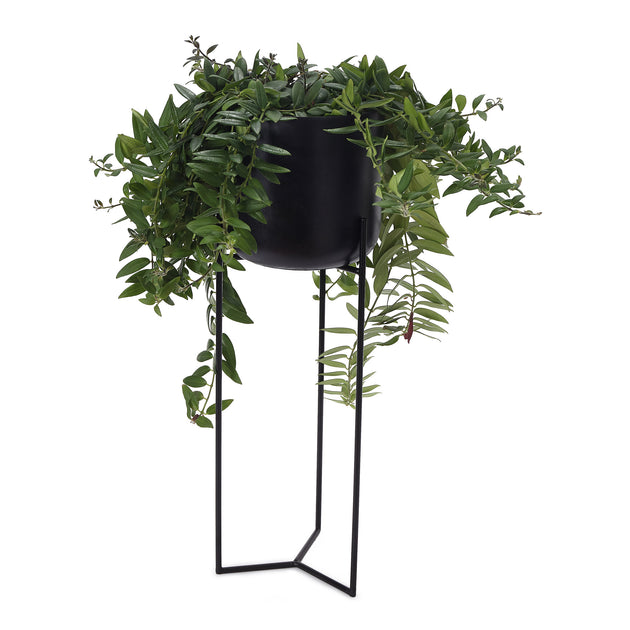 Baradi Flowerpot Stand in black | Home & Living inspiration | URBANARA