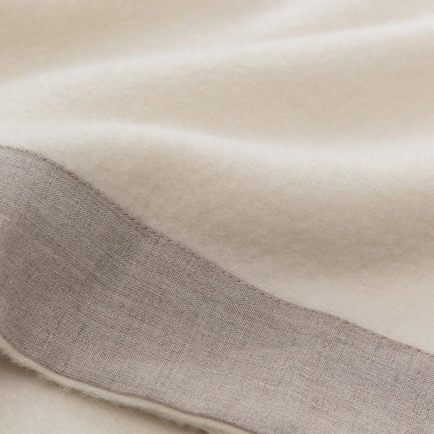 Naggu Blanket off-white & natural, 100% cashmere wool | Find the perfect cashmere blankets