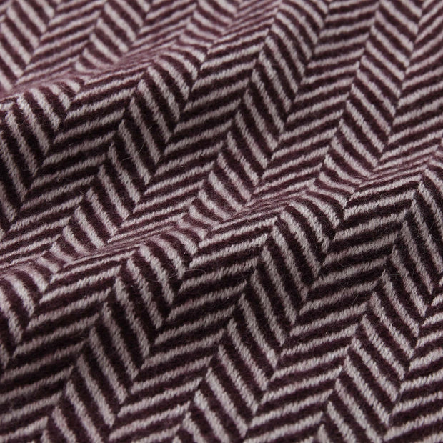 Nerva blanket in bordeaux red & cream, 100% cashmere wool |Find the perfect cashmere blankets