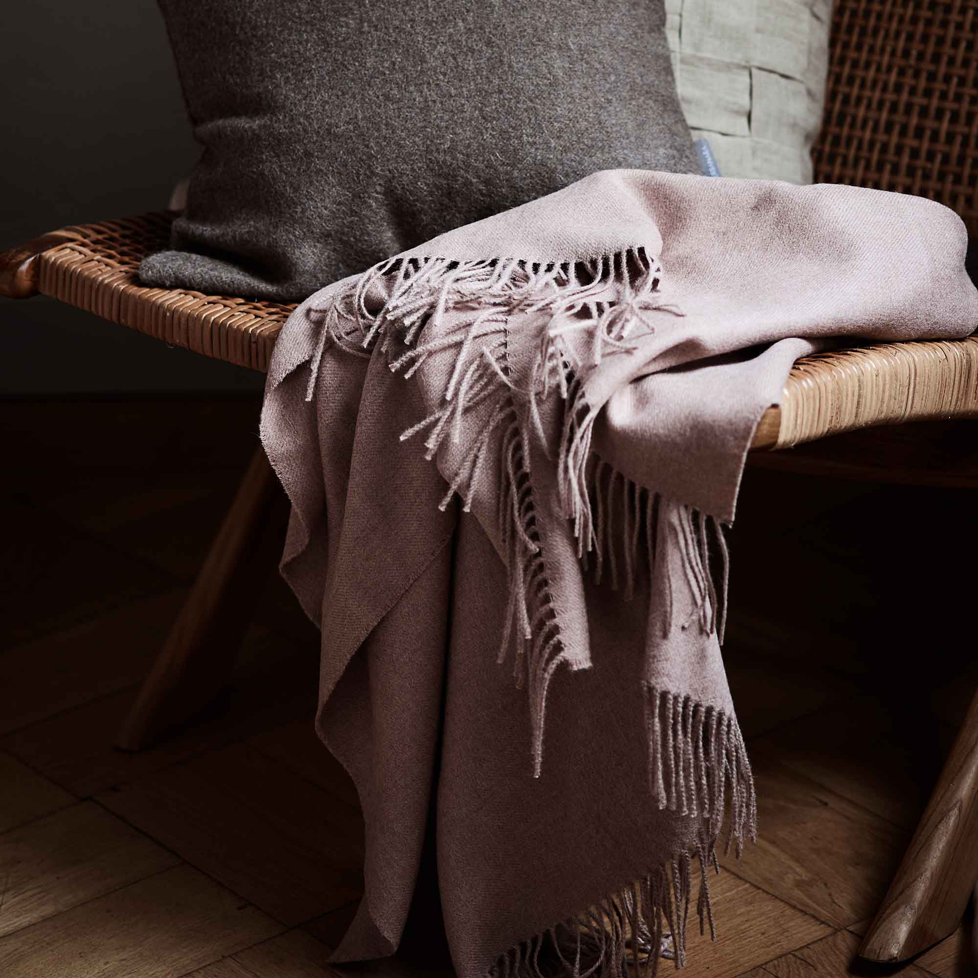 Dusty pink Arica Decke | Home & Living inspiration | URBANARA
