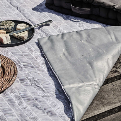 Mallur Picnic Blanket in green grey & natural white & green grey | Home & Living inspiration | URBANARA