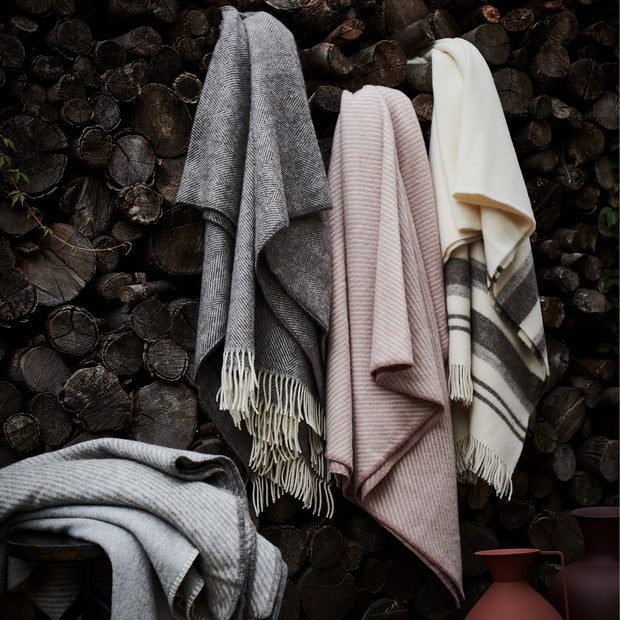 Santaka Wool Blanket in rouge & off-white | Home & Living inspiration | URBANARA